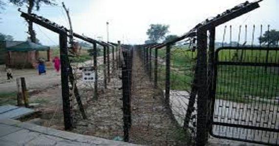 पाकिस्तानी घुसखोराला सुरक्षारक्षकांकडून कंठस्नान