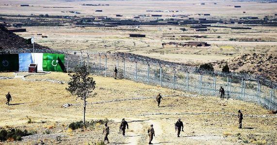 बलुचिस्तानमध्ये अतिरेकी हल्ला ; पाकचे १० जवान मृत्युमुखी