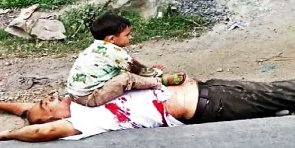 दहशतवाद्यांनी आजोबांना केले ठार : गोळीबारातही नातू शेजारी बसून