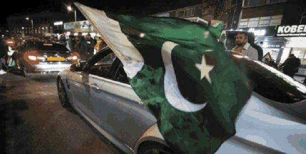 जिंकण्याचा उत्साहात पाकिस्तानात  गोळीबार १२ जण जखमी