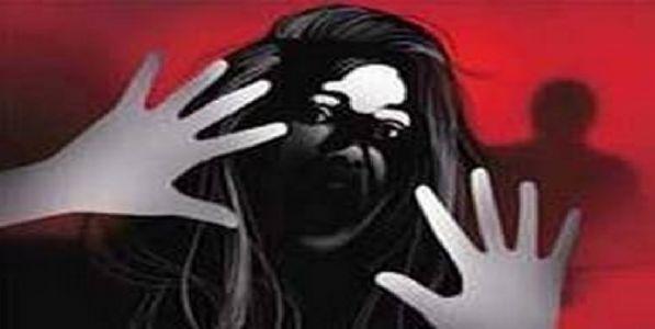 चित्रपट दिगर्शकाला बलात्कारप्रकारणी अटक