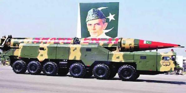 पाकिस्तानच्या अणुबॉम्बची संख्येत वाढ भारताला धोका ?